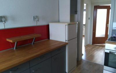 Möblierte 2 Zimmer Wohnung mit Wohnküche und Balkon im 1. OG (DG) in Gilching