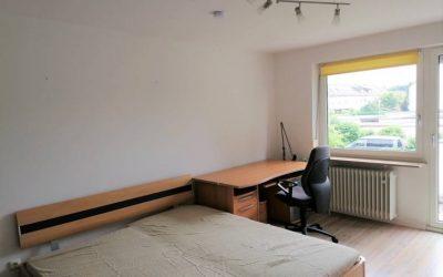 Möbliertes, helles WG-Zimmer in ruhigem Reihenhaus